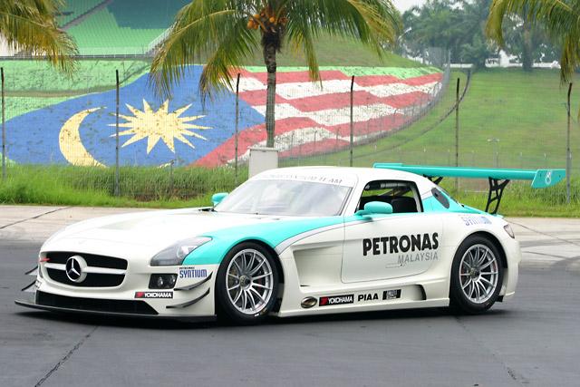 SLS AMG en course - Page 5 PetronasSLS_01