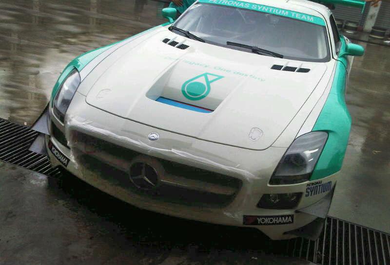 SLS AMG en course - Page 5 PetronasSLS_03
