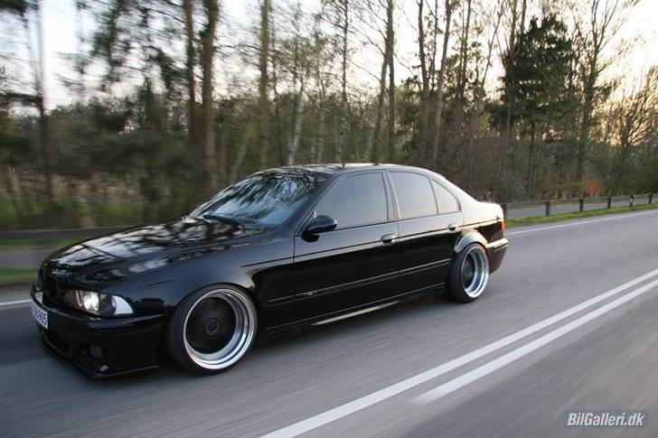 bmw m5 e39. BMW M5 E39 aftermarket wheels.